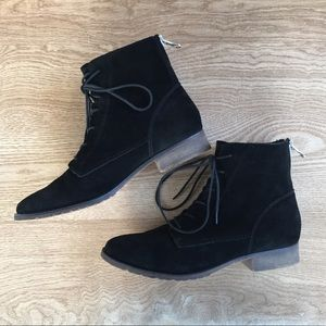 Steve Madden black suede lace up boots sz 9